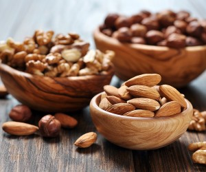 mixed-nuts-5-foods-fight-stress