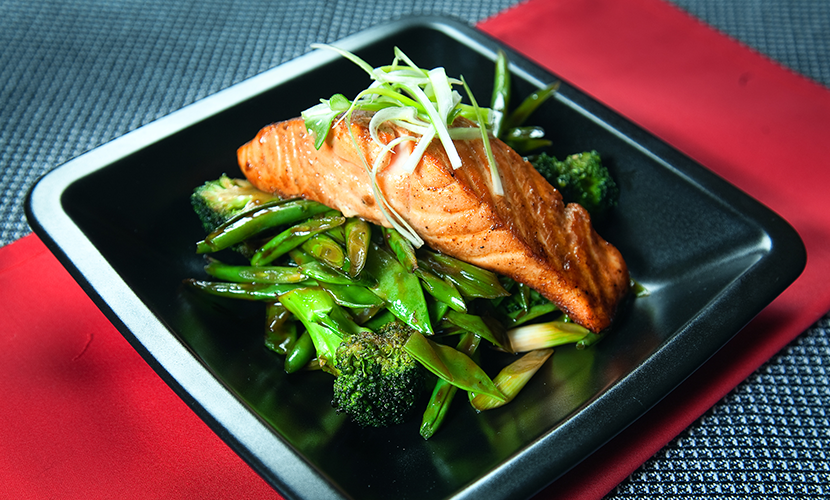 celebrity_slim_asian_salmon_with_vegetables_recipe