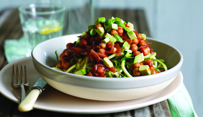 spicy_chickpea_and_tomato_courgetti_bolognese