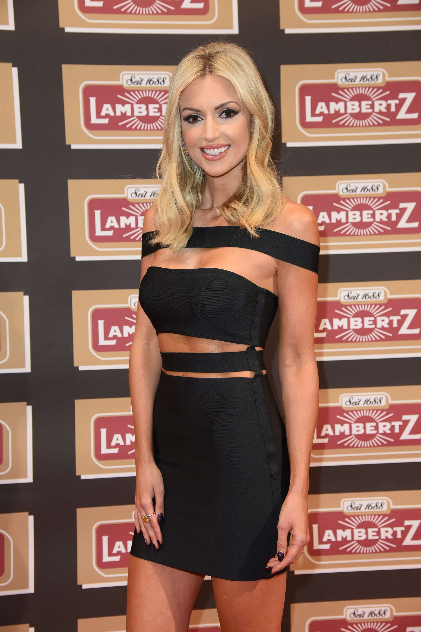 Rosanna-Davison--Lambertz-Monday-Night-2016--10